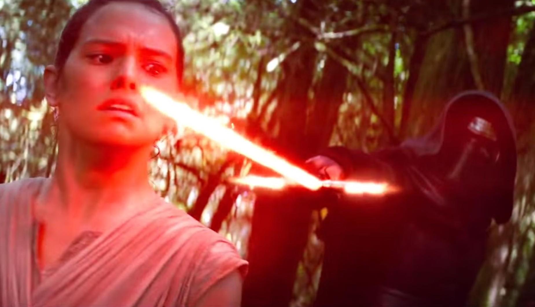 ARCHIVE: Discussion: Spoilers/Rumors - 9 - Page 38 Star-Wars-Le-R%C3%A9veil-de-la-Force-e1446830801626