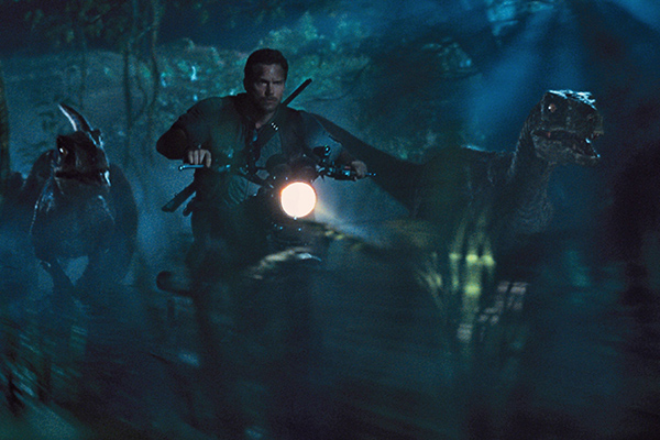 JURASSIC-WORLD-Chris-Pratt-Raptor-Team