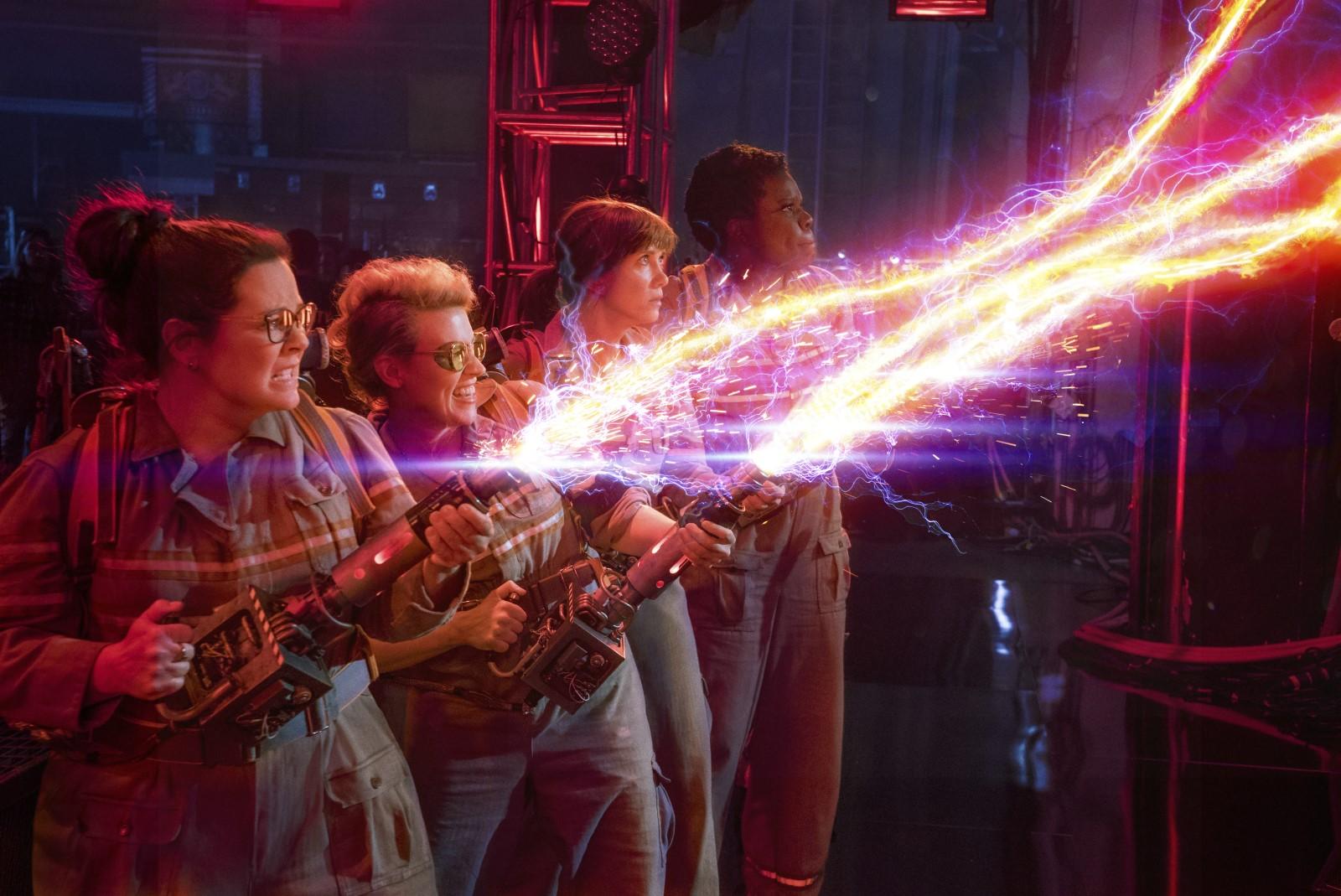 Ghostbusters SOS Fantômes 2016 Kate McKinnon, Kristen Wiig, Leslie Jones (II), Melissa McCarthy