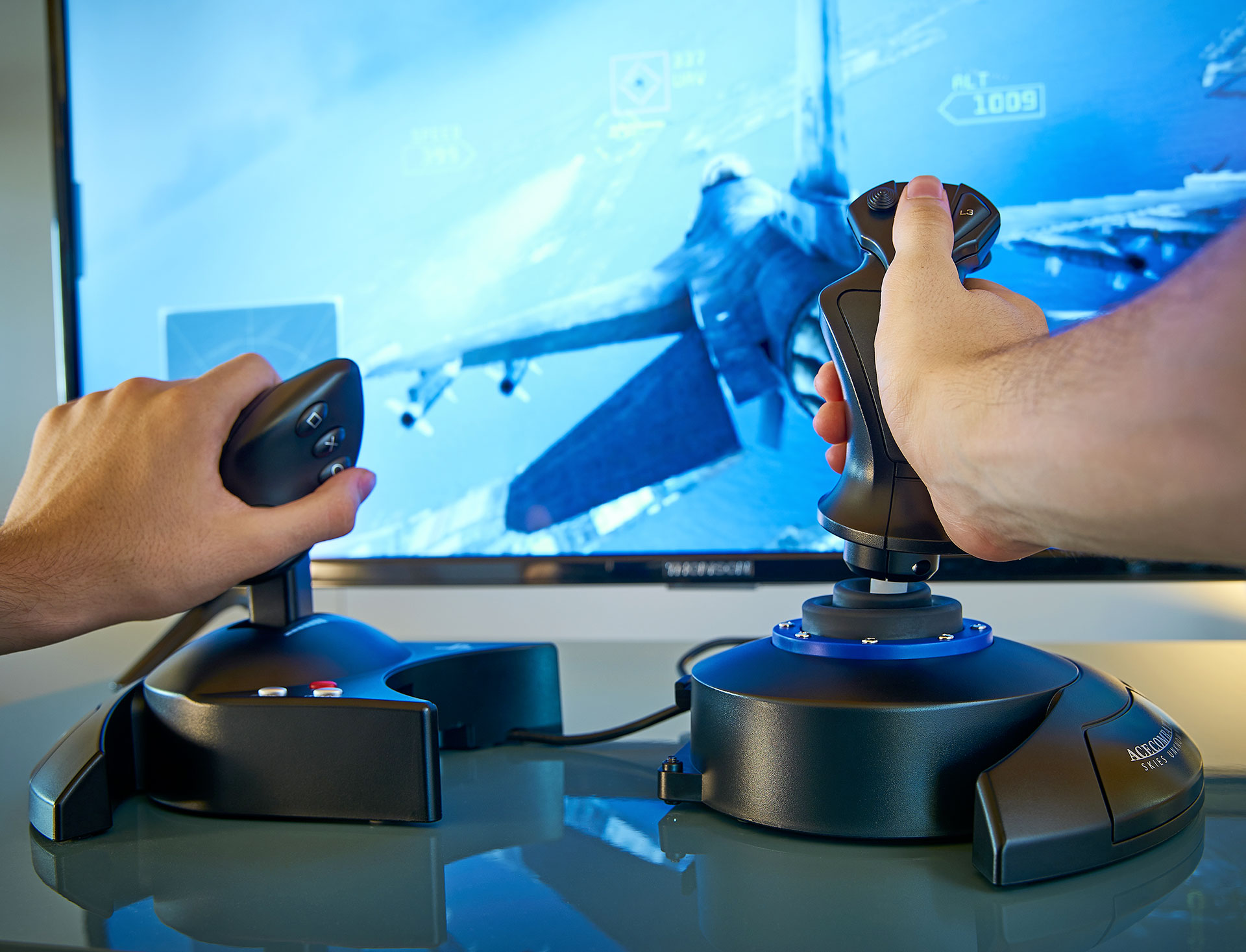 Thrustmaster-T.Flight-Hotas-Ace-Combat-7-02