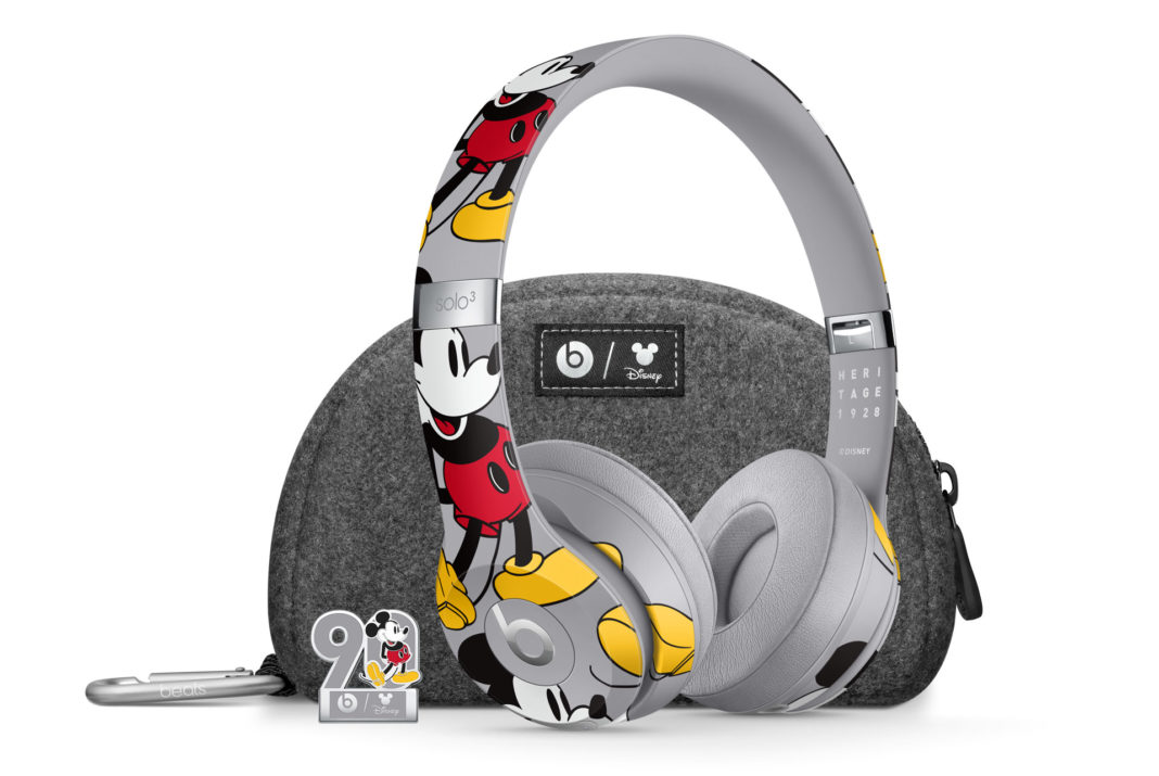 Beat By Dre Solo 3 90 ans Mickey 1928_Headphone_Case_Pin_Composed_WEB