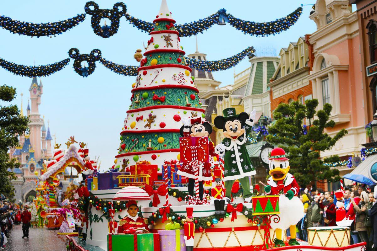 Les féeries de Noël Disneyland Paris 02