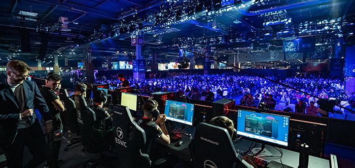 League of Legends eSport 01