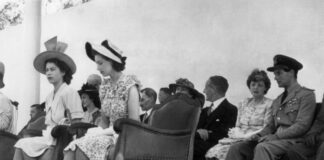 Elizabeth II Destin Royal