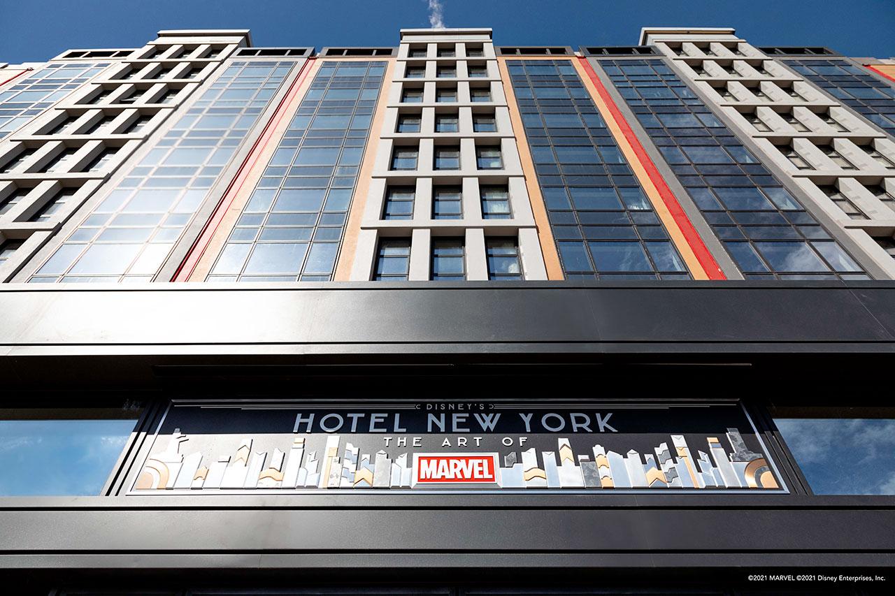 Disney's-Hotel-New-York---The-Art-of-Marvel